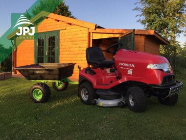 Zahradní traktor a sklopný vozík Pracant
